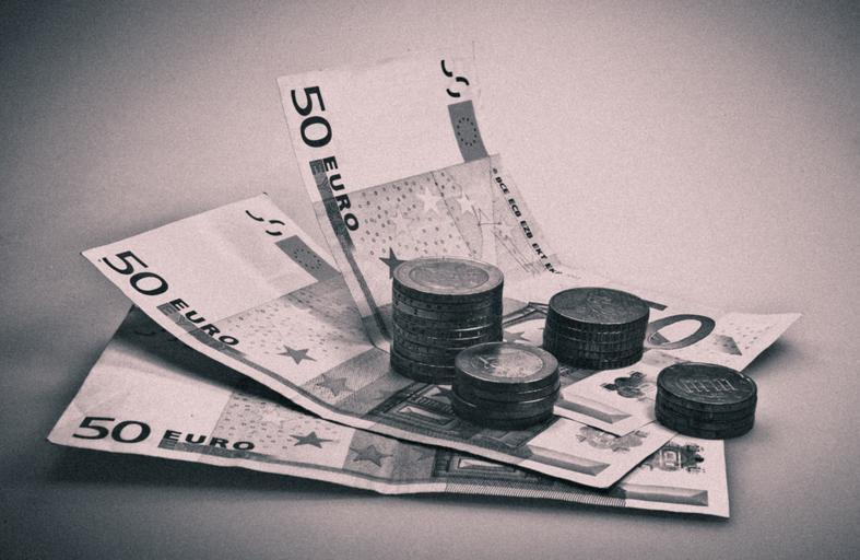 ležící eura