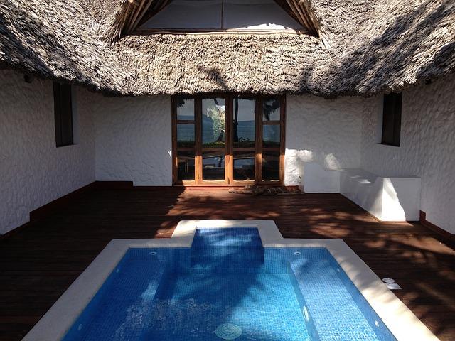 vnitřní zateplený bazén