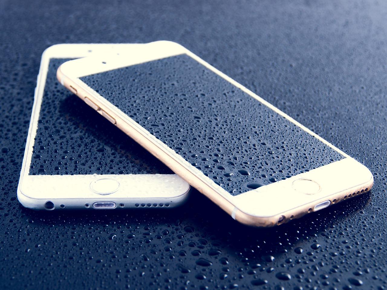 mobily na stole